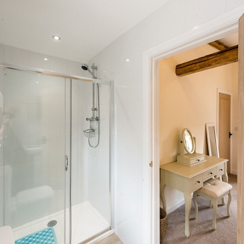 En-Suite at The Shippen Self Catering at Moreton Hall Farm Newport Shropshire