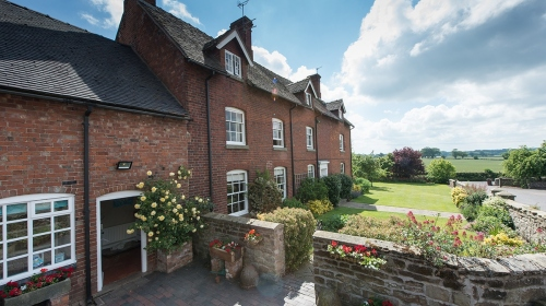 Moreton Hall Farmhouse Bed and Breakfast Accommodation in Newport, Shropshire